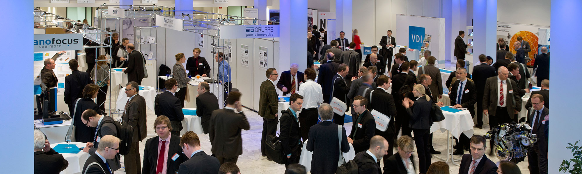This header shows the visitors of the exhibition at the international engine congress